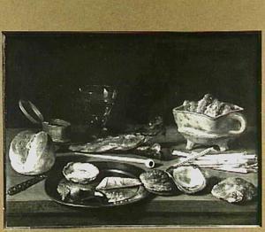 Stilleven met rokersgerei, oesters en een stuk brood