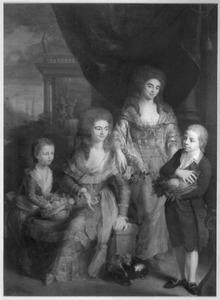 Portret van Louise Cornelia Elisabeth Clunder (1754-1822) met haar kinderen en een vriendin