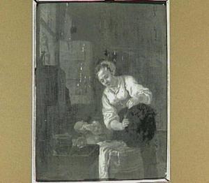 Vaatwerk schurende vrouw met huilend kind