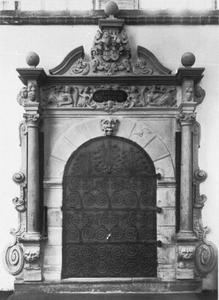 Portaal van de grafkapel Kanszlers Johann Adolf Kielmann von Kielmannseck