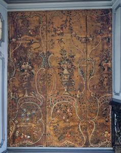 Rococo ornamenten met bloemenvazen