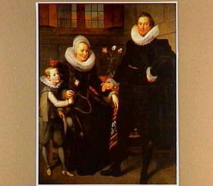 Portret van een onbekend echtpaar met hun zoontje