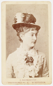 Portret van ms. Sophie Adrienne Sloet van Oldruitenborgh (1860-1941)