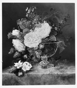 Bloemen in een glazen bokaal