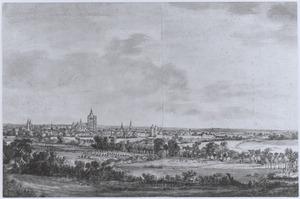 Arnhem, gezicht uit het noorden, vanaf een heuvel bij Sonsbeek