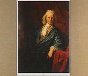 Portret van een man in een blauwe zijden kamerjas