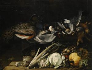 Stilleven met vogels en hazen op een plint, met groenten en vruchten