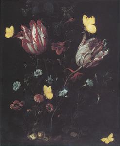 Bosstilleven met bloemen, vlinders en slakken