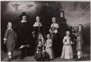 Portret van een gezin, genaamd de familie van  Gijsbert van Hemert (1590-1656)