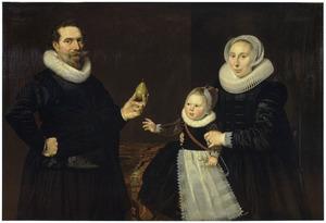 Portret van een 43-jarige man met vrouw en kind