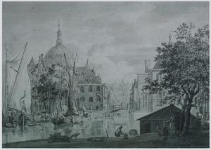 De Visbrug en de Marekerk gezien vanaf de Aalmarkt, te Leiden
