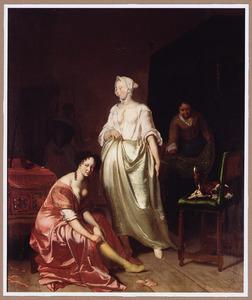 Interieur met twee elegante dames die bezig zijn met hun toilet