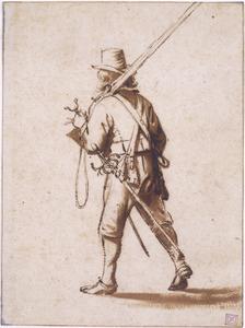 Lopende musketier, op de rug gezien