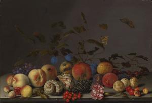 Stilleven van vruchten, schelpen, een anjer en een hagedis op een stenen plint