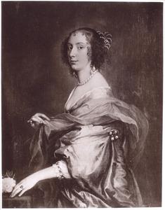 Portret van een vrouw, ten halven lijve naar links