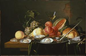 Vruchtenstilleven met wijnglas, oesters en rookgerei