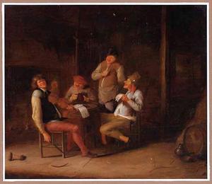 Vrolijk drinkend en musicerend gezelschap in een schuur