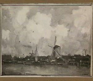 Stadsgezicht met molens langs een rivier