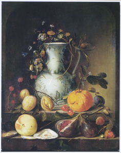 Vruchten en een oester rondom een blauw-witte kan in een nis