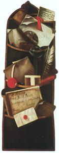Trompe l'oeil van opbergzak waarin brieven, boekjes en schrijfgerei zijn gestoken