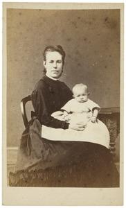 Portret van Adolphine Henriette Muschart (1840-1925) en Heloise Elise Georgine Backer van Leuven (1871-1896)