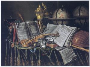 Vanitasstillleven met tazza, globes, muziekinstrumenten en andere objecten op een gedekte tafel