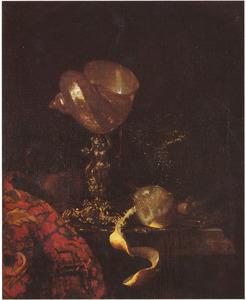Stilleven met schelpenbeker, glaswerk en citoen