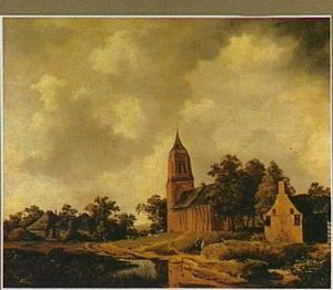 Duinlandschap met ondergelopen weg langs een kerk