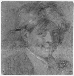 Portret van een lachende jongen.