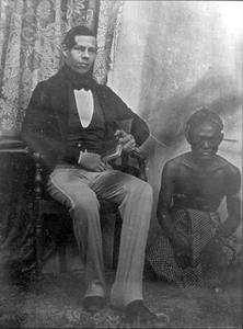 Portret van Daniel Hartevelt (1824-1896) en een man uit familie Wongso