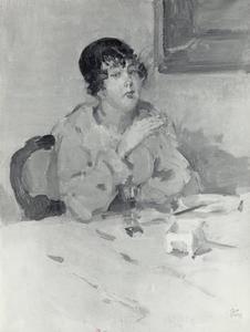 Rokende dame aan een gedekte tafel
