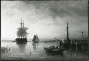 Vissersboten bij een aanlegsteiger