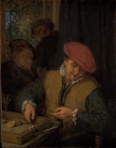 Een triktrakspelende man