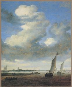Gezicht op Beverwijk vanaf het Wijkermeer, rechts in de verte kasteel Assumburch
