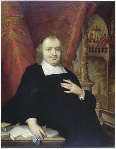 Portret van Gaspar Fagel (1634-1688), in de achtergrond de vergaderzaal van de Staten van Holland op het Binnenhof te Den Haag