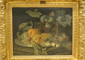 Stilleven met perzikken, peren, druiven en vijgen