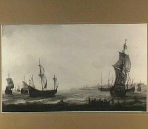 Schepen voor de haven van Enkhuizen