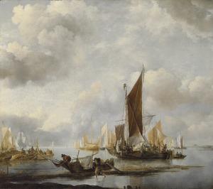 Schepen voor de kust bij rustig weer met in de voorgrond een drooggevallen roeibootje