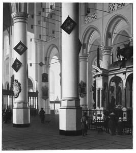 Interieur van de Nieuwe kerk te Delft met de graftombe van Willem van Oranje