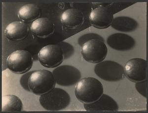 Pillen in het water circa 1930