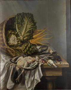 Stilleven met een omgevallen mand met groenten en gevogelte op een met een wit kleed bedekte tafel