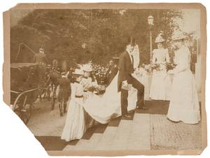 Trouwfoto van Constantijn Willem Ferdinand Mackay (1870-1955) en Petronella Adamina Hoeufft (1872-1933)