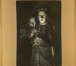 Een man die zijn pijp aansteekt aan een door een jongen vastgehouden kaars