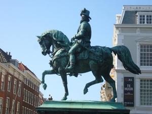 Ruiterstandbeeld van Willem de Zwijger van Oranje-Nassau)  (1533-1584)