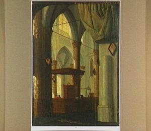 Interieur van de Grote Kerk van Dordrecht, met trompe l'oeil geschilderd gordijn