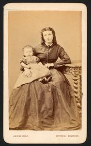 Portret van Anna Jacoba Doyer (1836-1862) en Trijntje Swanenburg de Veye (1863-1941)
