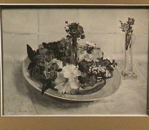 Bloemenkransje en kristallen vaasje