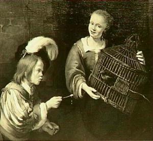 Een jongeman die een spreeuw tracht te lokken uit een door een jonge vrouw opgehouden vogelkooi