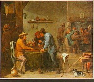 Herbergscène met triktrakspelende en drinkende mannen