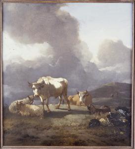 Zuidelijk landschap met vee bij opkomend onweer